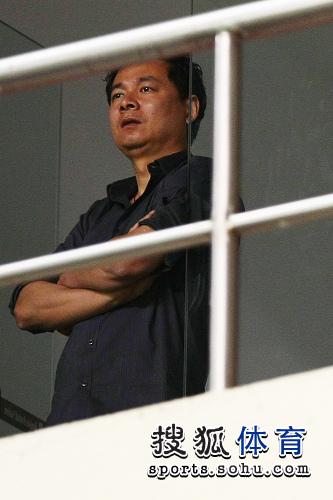 朱骏包厢关注比赛