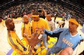 图文:[NBA]掘金VS湖人 赛前寒暄