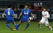 图文:[中超]长春1-0天津 何杨在比赛中