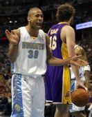 图文:[NBA]掘金VS湖人 琼斯抱怨