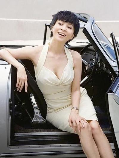 刘嘉玲多变角色 老板、 太太、一线女星