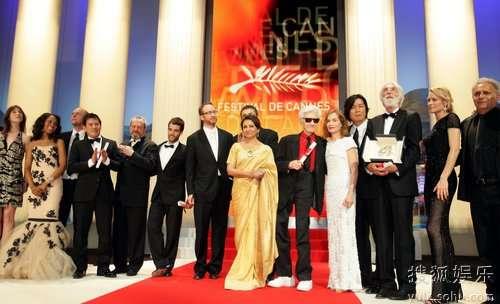 图:颁奖礼圆满结束 获奖众星集体登台合影