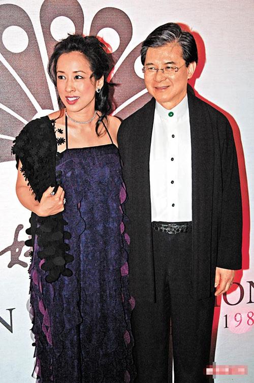 朱玲玲与老公前晚出席慧妍雅集慈善晚会