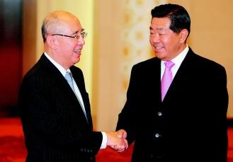 全国政协主席贾庆林和中国国民党主席吴伯雄会面