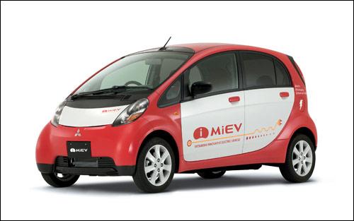 曾几何时,三菱为了上图的iMiEV电动车而使Crossover计划搁浅。