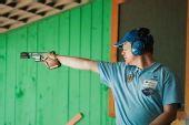 图文:男子25米手枪速射比赛 舒曼在比赛中