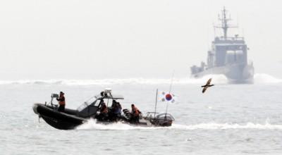 韩国舰艇在海上巡逻