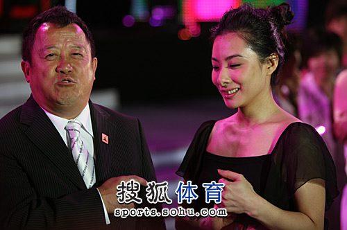 图文:刘璇出席亚运天使选拔 接受曾志伟点评