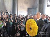 组图:吴伯雄率国民党大陆访问团拜谒中山陵