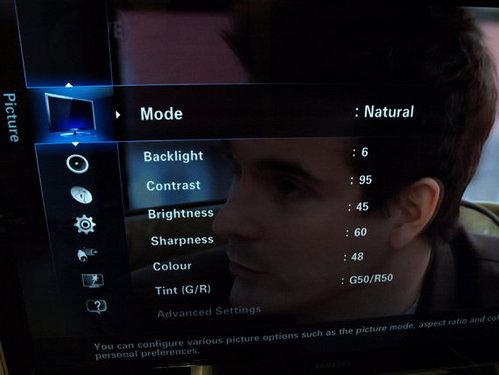 英国网友晒三星UE46B8000电视试用组图