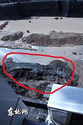 哈尔滨市南岗区地铁在建工程水泥护墙坍塌 东北网记者 陈静摄