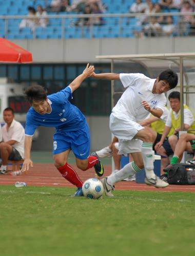 图文:[全运男足]江苏0-0北京 背道而驰