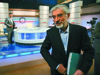 6月3日,伊朗总统内贾德与改革派前总理穆萨维进行电视辩论