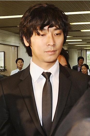 朱智勋进入法庭