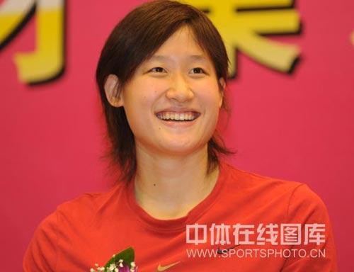 奥运冠军笑容灿烂