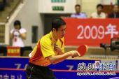 图文:王励勤发威上海3-1锦州 王励勤开始比赛