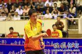 图文:王励勤发威上海3-1锦州 王励勤笑容满面