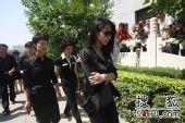 罗京追悼会 北京电视台同行前来悼念-4