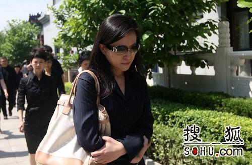 罗京追悼会 北京电视台同行前来悼念-7