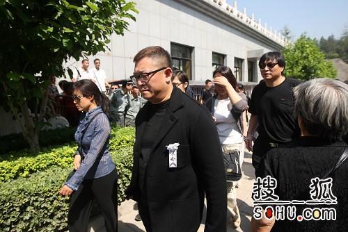 罗京追悼会 北京电视台同行前来悼念-8