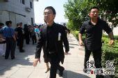 罗京追悼会 北京电视台同行前来悼念-9