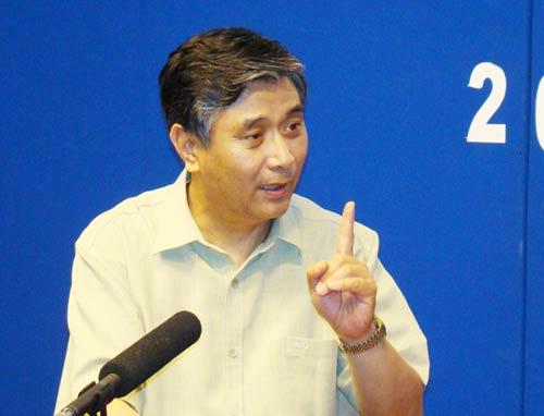 中国疾控中心首席科学家曾光做客第一时评。