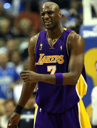 图文:[NBA总决赛]湖人VS魔术 拜纳姆沮丧表情