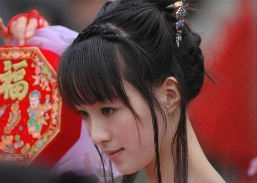 有关赵飞燕的电视剧_《夜郎王》,《碧血剑》中担任主演的青年演员吴婷,在本剧中出演赵飞燕