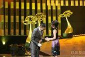 图:上海电视节白玉兰颁奖-孙红雷激动获奖