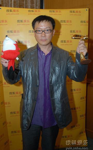 图:上海电视节白玉兰颁奖- 姜伟和小狐