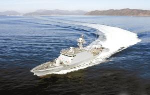 """韩国海军""""尹永夏""""号反舰导弹舰"""