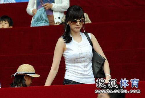 安贞焕娇妻美貌