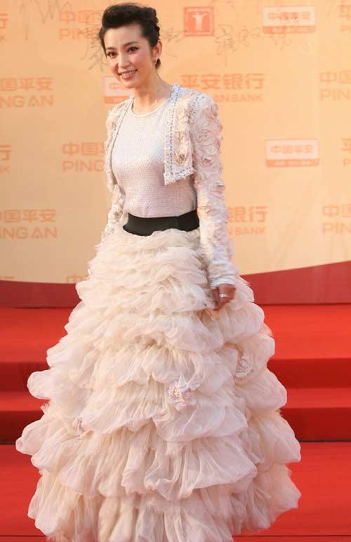 图:李冰冰白雪公主打扮亮相