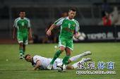 图文:[中超]国安1-0天津 马季奇带球