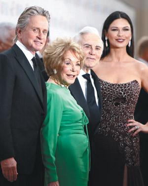 迈克尔-道格拉斯与家人