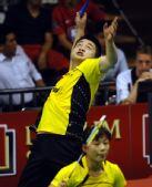 图文:印尼公开赛郑波/马晋进八强 比赛中
