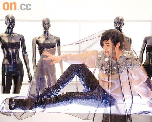 萧敬腾很喜欢新碟名《王妃》,代表他对音乐的野心