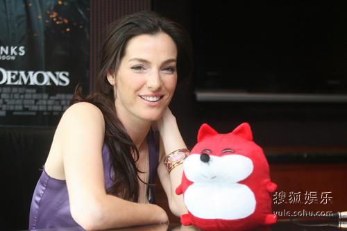 专访《天使与魔鬼》女主角阿耶莱特-祖里尔接受采访