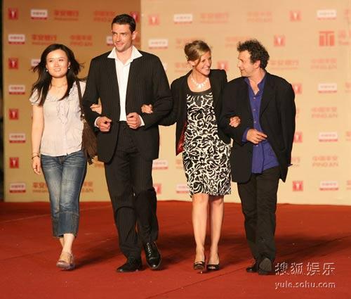图:第12届上海电影节闭幕 《杀人写真》剧组