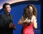 图:西蒙娜-唐获颁第12届上海国际电影节影后