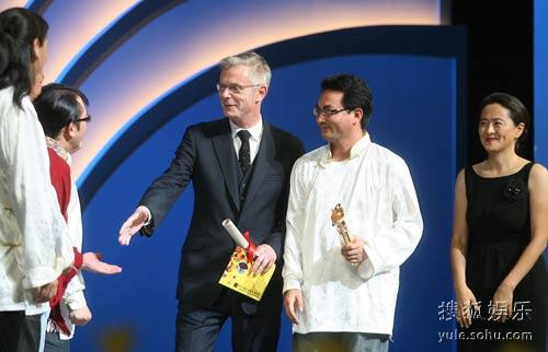 图:《寻找智美更登》获颁评委会大奖