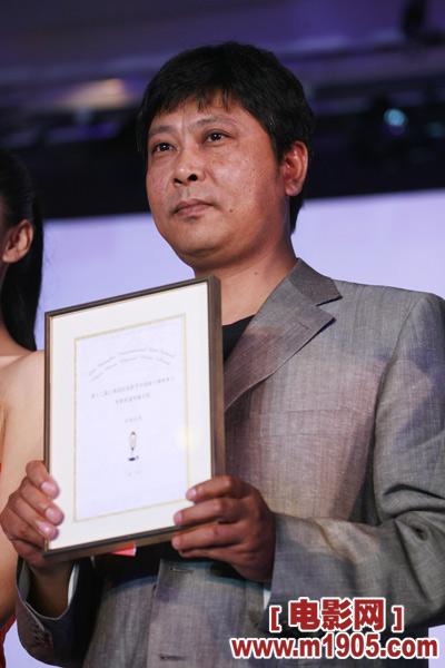 《孟二冬》摘得评委会奖,导演哈斯朝鲁领奖