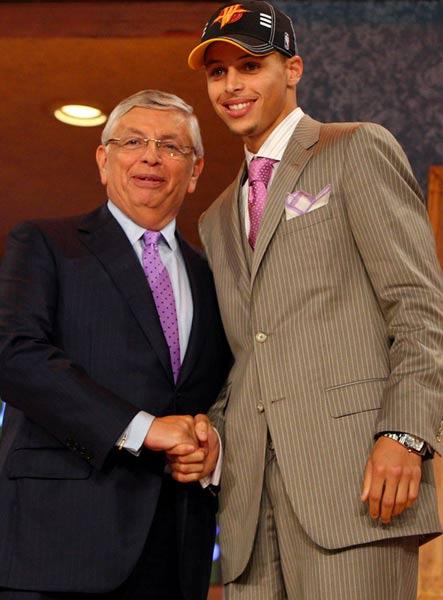 图文:[NBA]09NBA选秀 库里和斯特恩