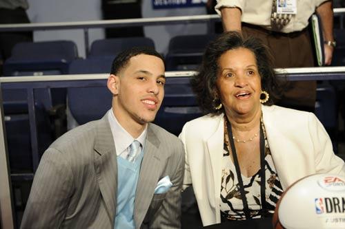 图文:[NBA]09NBA选秀 戴耶和家人