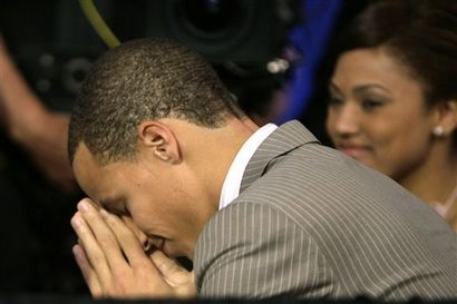 图文:[NBA]09NBA选秀  库里在祈祷