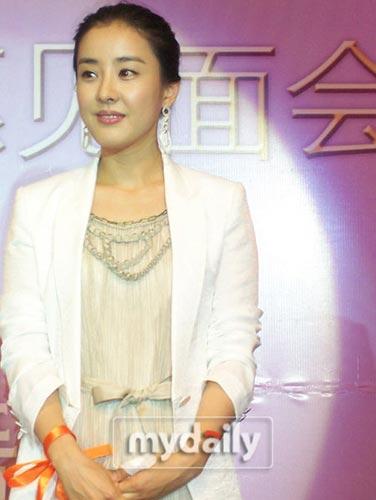 朴恩惠代表《大长今》演员赴日 宣传韩国文化