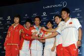 图文:中国奥运代表团获最佳团队 六位奥运冠军