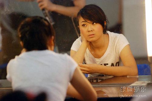 图:快女总决赛发布会 被指抄袭杨梓显得有点烦