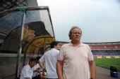 图文:[中超]重庆VS陕西 阿里汉踌躇满志