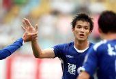 图文:[中超]青岛0-1河南 肖智庆祝进球